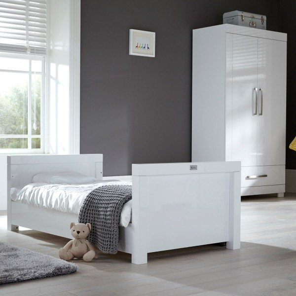 Notting Hill Cot Bed & Wardrobe Set by Silver Cross