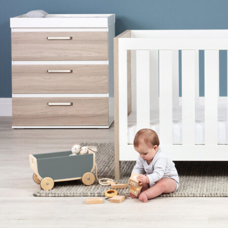 Silver Cross Finchley 2 Piece Nursery Furniture Set Cot bed Dresser
